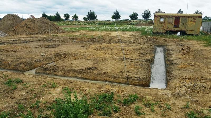 zahájení prvních staveb rodinných domů